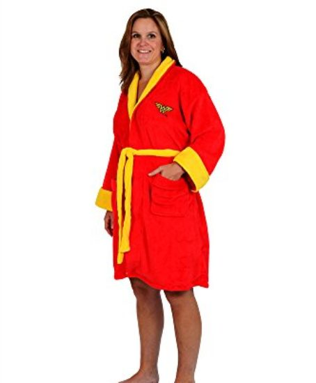 DC-Comics-Wonder-Woman-Red-Fleece-Bathrobe-0
