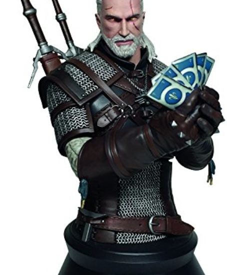 Dark-Horse-Deluxe-Geralt-Playing-Gwent-Bust-Toy-0