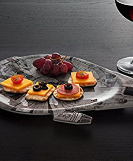 Disney-Star-Wars-Millennium-Falcon-Serving-Platter-0