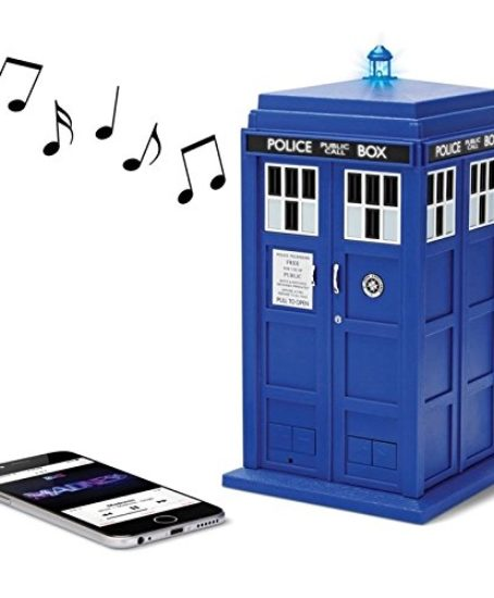 Doctor-Who-TARDIS-Wireless-Bluetooth-Speaker-with-MIC-LEDs-and-Sound-Effects-0