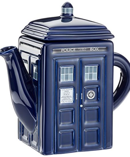 Doctor-Who-Tardis-Ceramic-Teapot-0