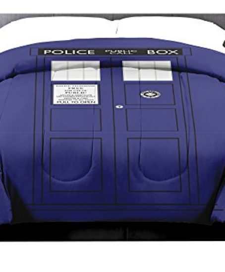 Dr-Doctor-Who-Tardis-King-Size-Comforter-0