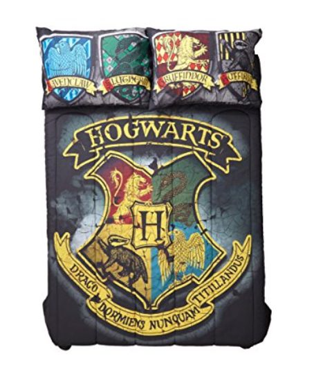 Harry-Potter-Distressed-Hogwarts-Crest-FullQueen-Comforter-0