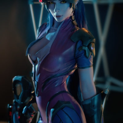 widowmaker cosplay holding gun