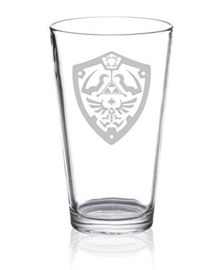 The-Legend-of-Zelda-Hylian-Shield-Etched-Pint-Glass-0