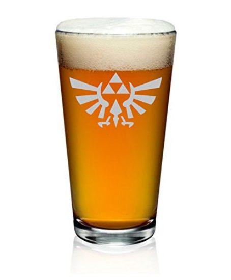 The-Legend-of-Zelda-Triforce-Hylian-Crest-Etched-Pint-Glass-0-0