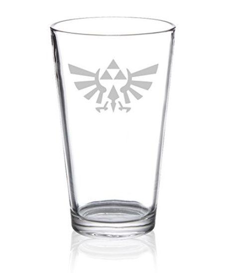 The-Legend-of-Zelda-Triforce-Hylian-Crest-Etched-Pint-Glass-0